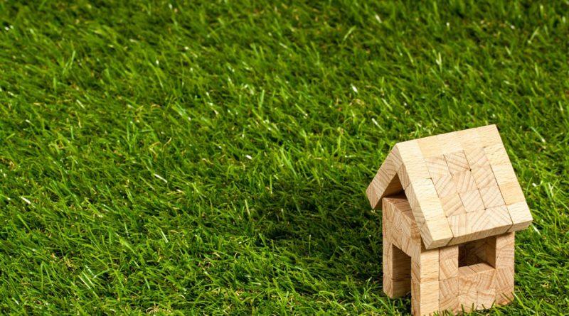 Installing-Artificial-Grass