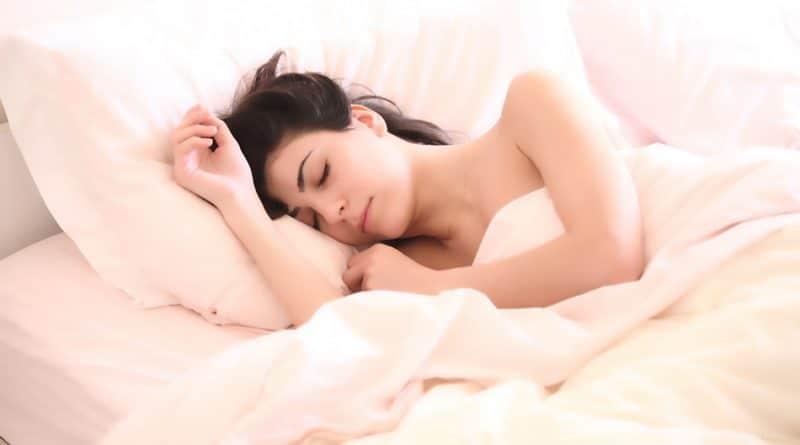 Silk Pillowcase Hair Benefits